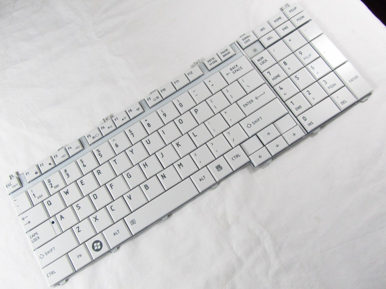 NEW genuine US Keyboard For Toshiba V000140500 GLOSSY white
